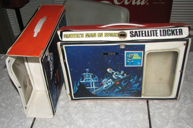 Major Matt Mason Satellitee locker 2